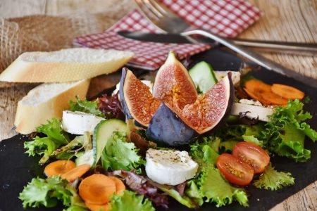 Tips-For-Keeping-Yourself-Active-And-Healthy-When-Moving-Eating-Healthy-Foods
