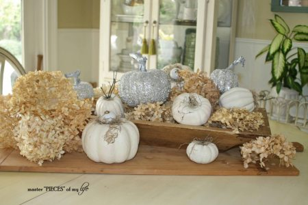Making-Glass-Glitter-Pumpkins-for-Your-Fall-Holiday-Centerieces