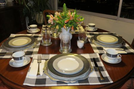 Buffalo-Check-Lunch-Table