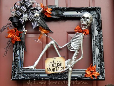 How-to-create-a-chic-spooky-skeleton-wreath