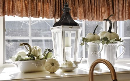 Lovely-Living-Things-using-White-Pumpkins-in-kitchen-decor.