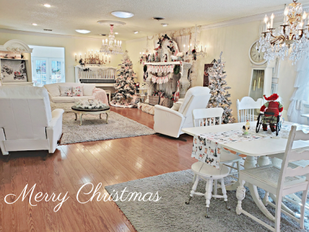 Enjoy-a-Christmas-tour-through-Pennys-Vintage-home