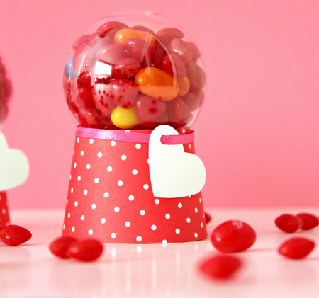DIY-valentine-candy-dispenser-machines
