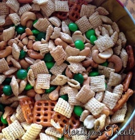 Leprechaun-Snack-Mix.