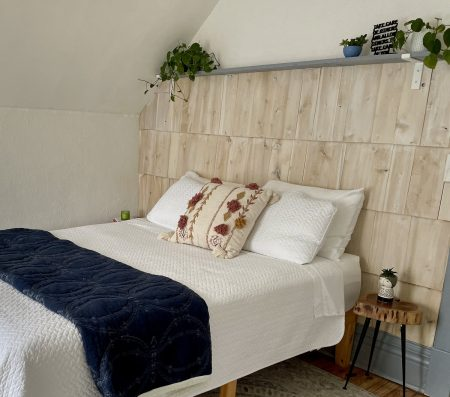 Cedar-Life-Unfolding-Shake-Bedroom-Wall