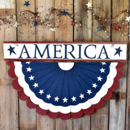 DIY-Patriotic-Fence-Bunting-from-Tee-Diddly-Dee.