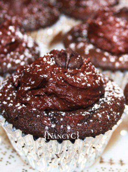 dark-chocolate-cupcakes-nancyc