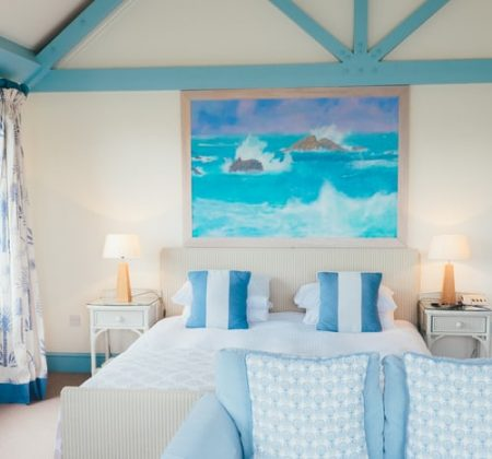 Furnished-vacation-bedroom
