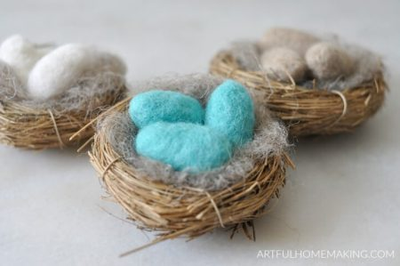 Needle-Felting-for-beginners-needle-felted-eggs-in-nests