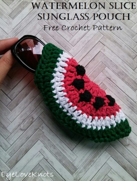 Crochet-Watermelon-Slice-Sunglass-Pouch.