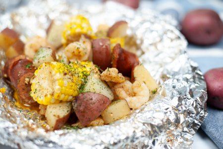Shrimp-and-sausage-boil-foil-packets.