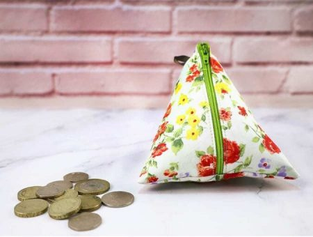 Triangle-coin-purse.