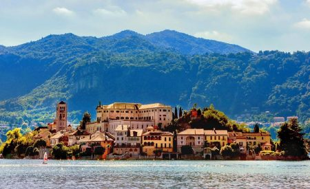Visit-Italy-for-a-holistic-experience