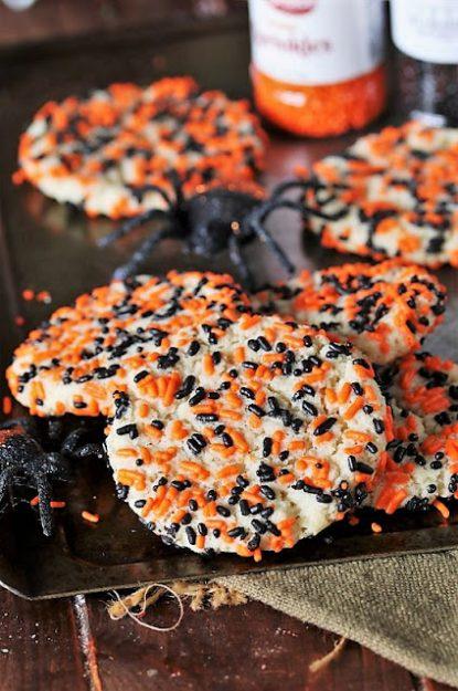 Halloween-Sprinkle-Sugar-Cookies-Black-Orange-Sprinkles.